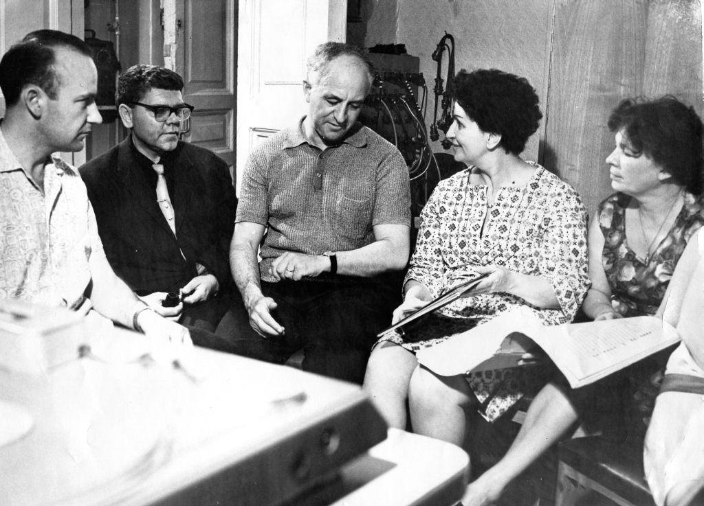 From left to right: Igor Weprintsev, Revol Bunin, Rudolf   Barshai, Vasso Devetzi