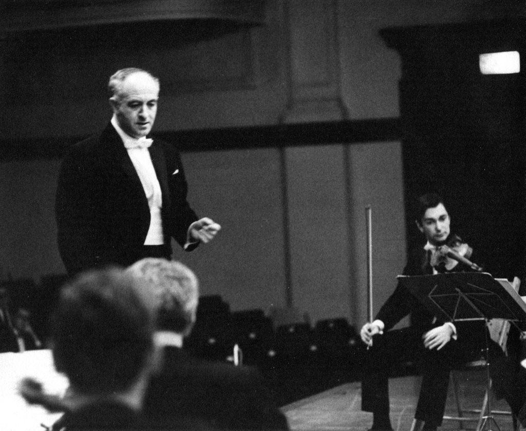 Первая скрипка Московского камерного оркестра Евгений Смирнов