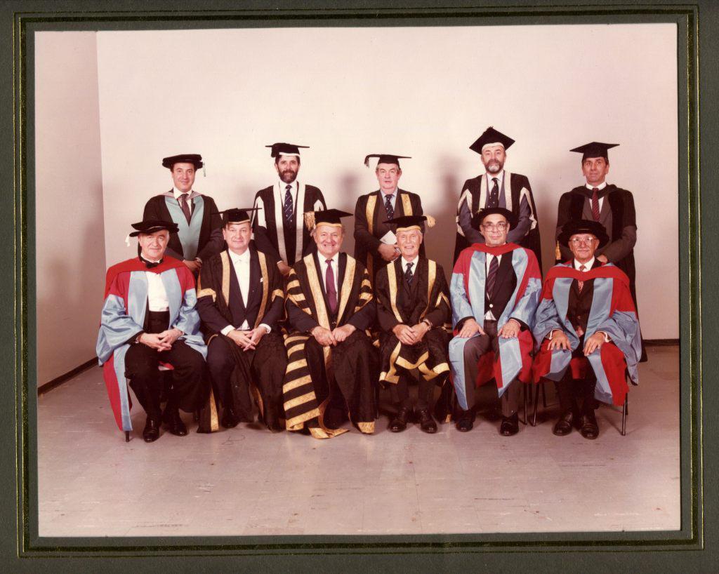 Саутгемптонский университет в 1985 году присудил   Рудольфу Баршаю степень Почетного Доктора   Музыки.